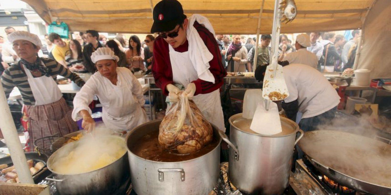 Los alimentos asociados con los brotes de salmonelosis son, por ejemplo, los huevos, la carne de ave y otros productos de origen animal. Foto: Getty Images