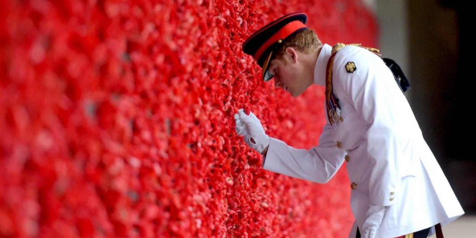 Ofrenda floral en el Monumento a los Caídos de Australia en Canberra Foto:Getty Images
