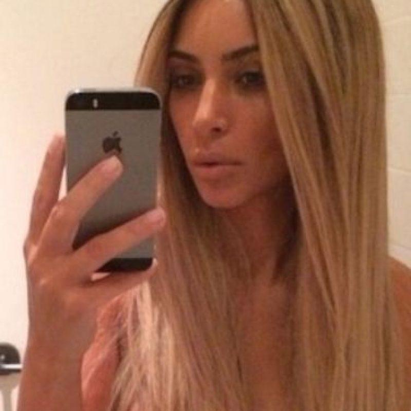 Kim Kardashian posa para la foto. Foto:instagram.com/kimkardashian