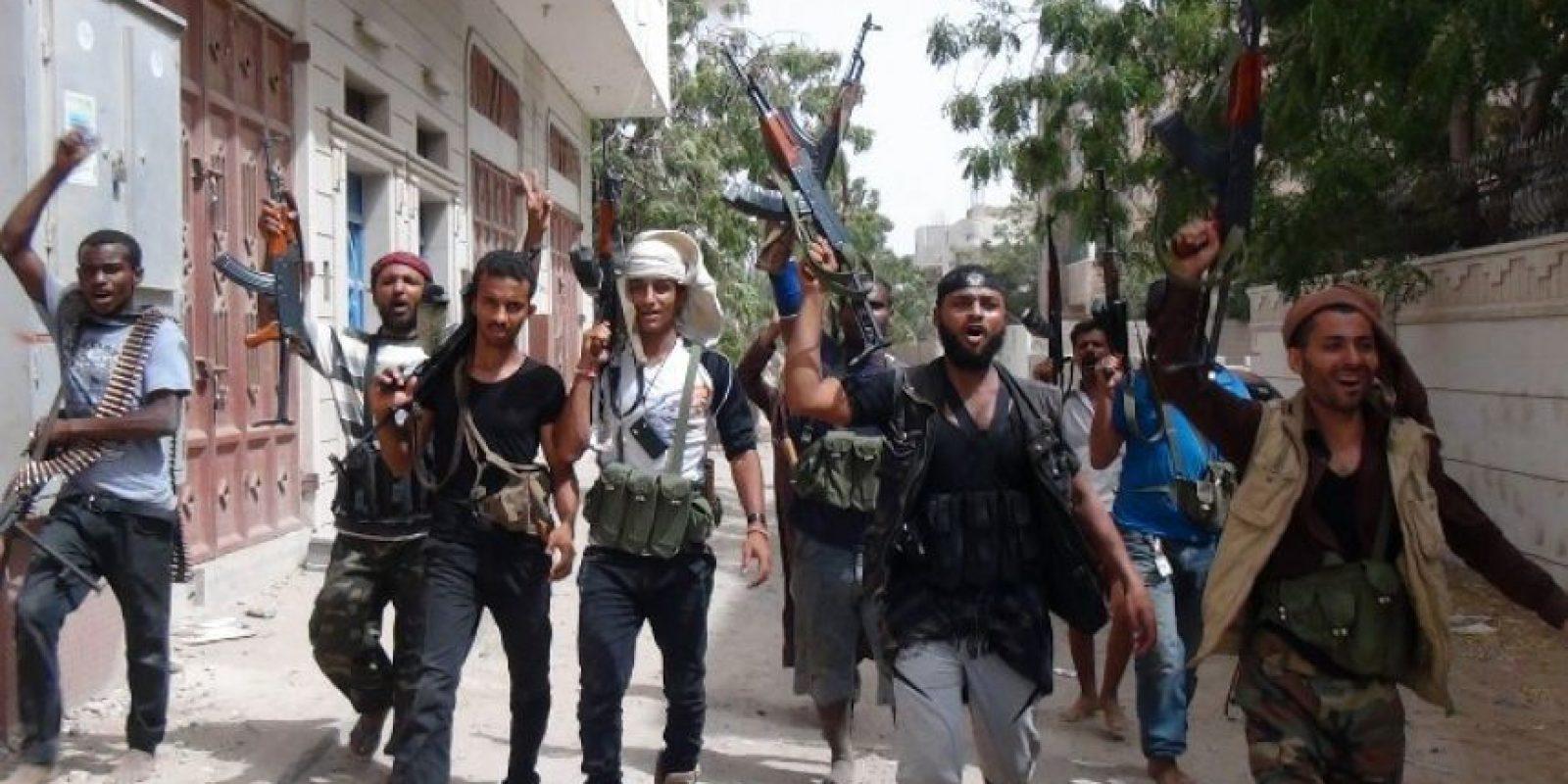 """Rebeldes Huthis: También conocidos como Ansarullah, su nombre significa """"Partidarios de Dios"""". Inicialmente se levantaron en armas durante la década pasadas """"en defensa de la comunidad chiita – zaidí"""", a la que pertenece casi el 30% de los 26 millones de pobladores de Yemen. Foto:AFP"""