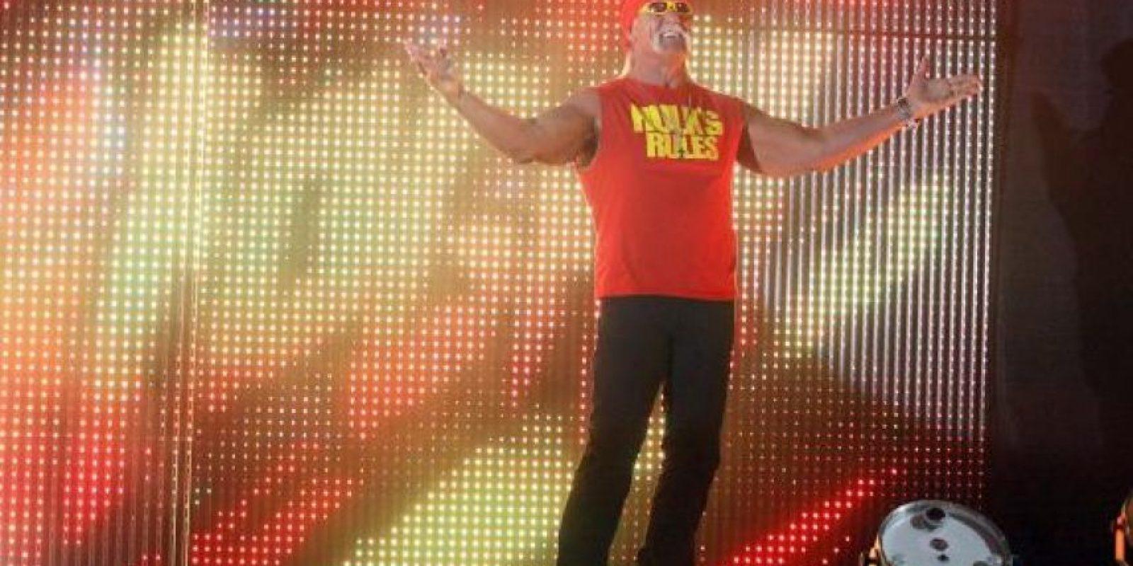 Al lado de Hulk Hogan Foto:WWE