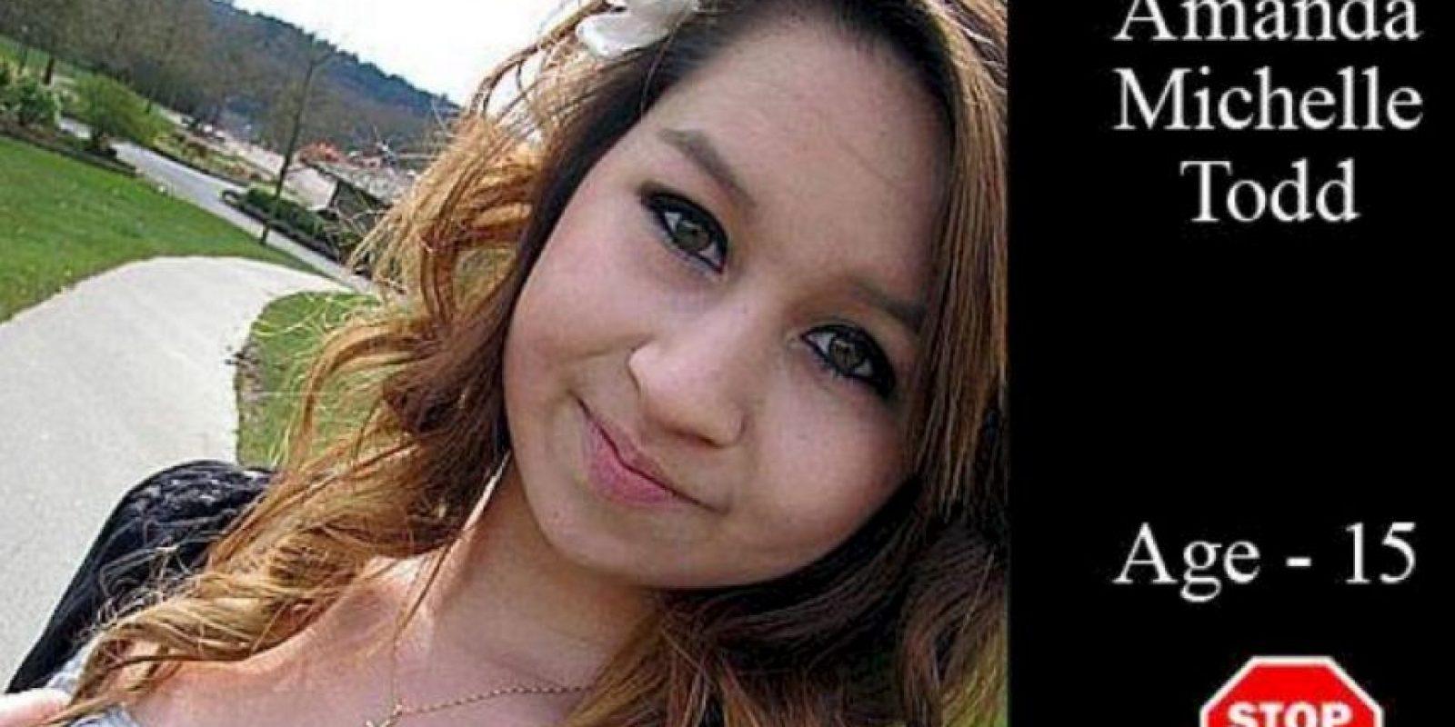 """""""Han pasado seis meses y la gente continúa compartiendo fotos de cloro y de zanjas, etiquetándome. Me dijeron que intentara con otro cloro. Dijeron que esperaran que esta vez muriera realmente y que no fuera tan estúpida. Dijeron: 'Espero que lea esto y se suicide'. ¿Por qué me pasa esto? Cometí un error, pero ¿por qué me siguen? Dejé la ciudad. """" Foto:vía Facebook/Suicide of Amanda Todd"""