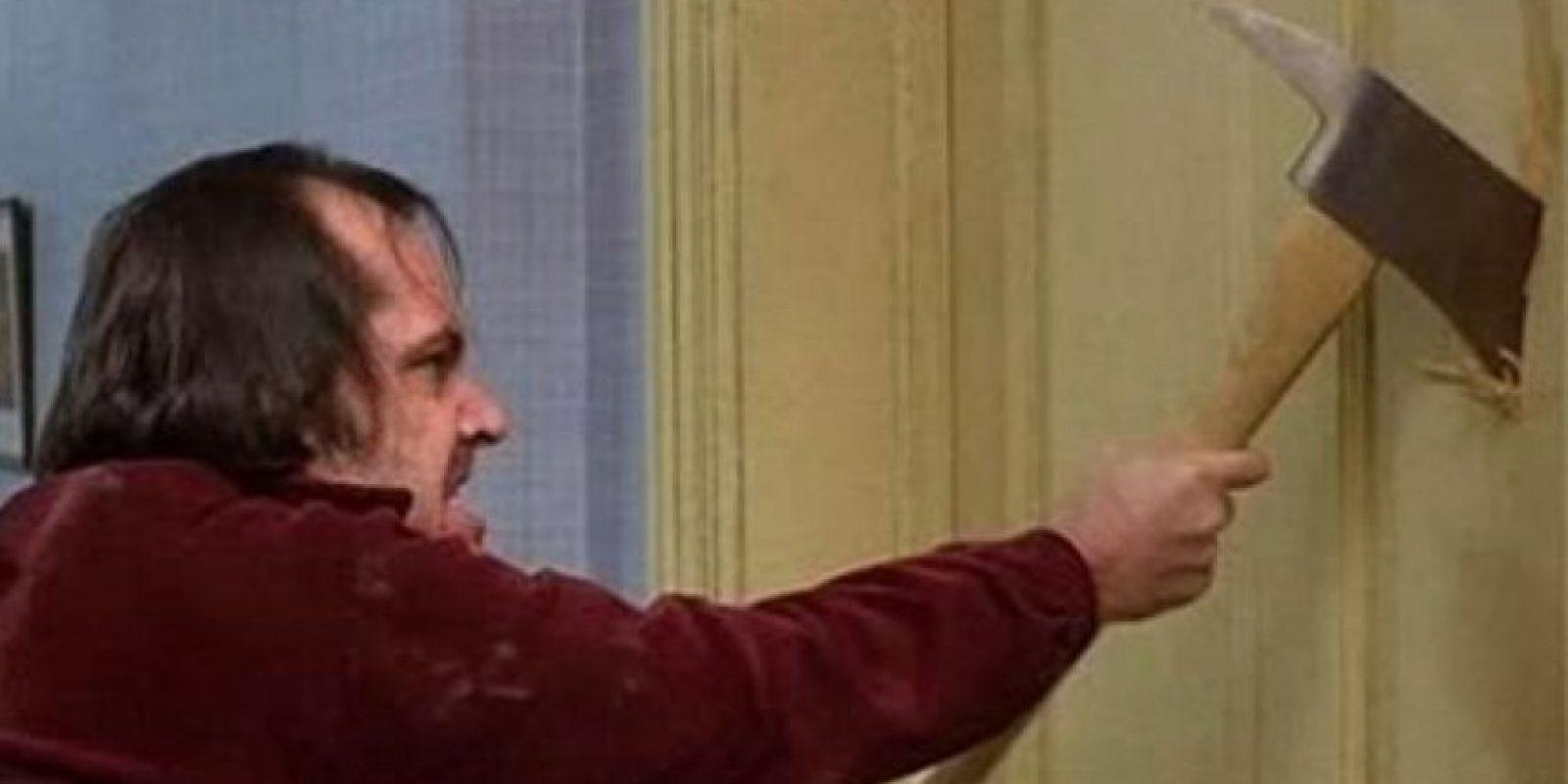 "Hombre estadounidense pareció recrear la película ""El Resplandor"" Foto:Tumblr.com/Tagged-hacha-el-resplandor"