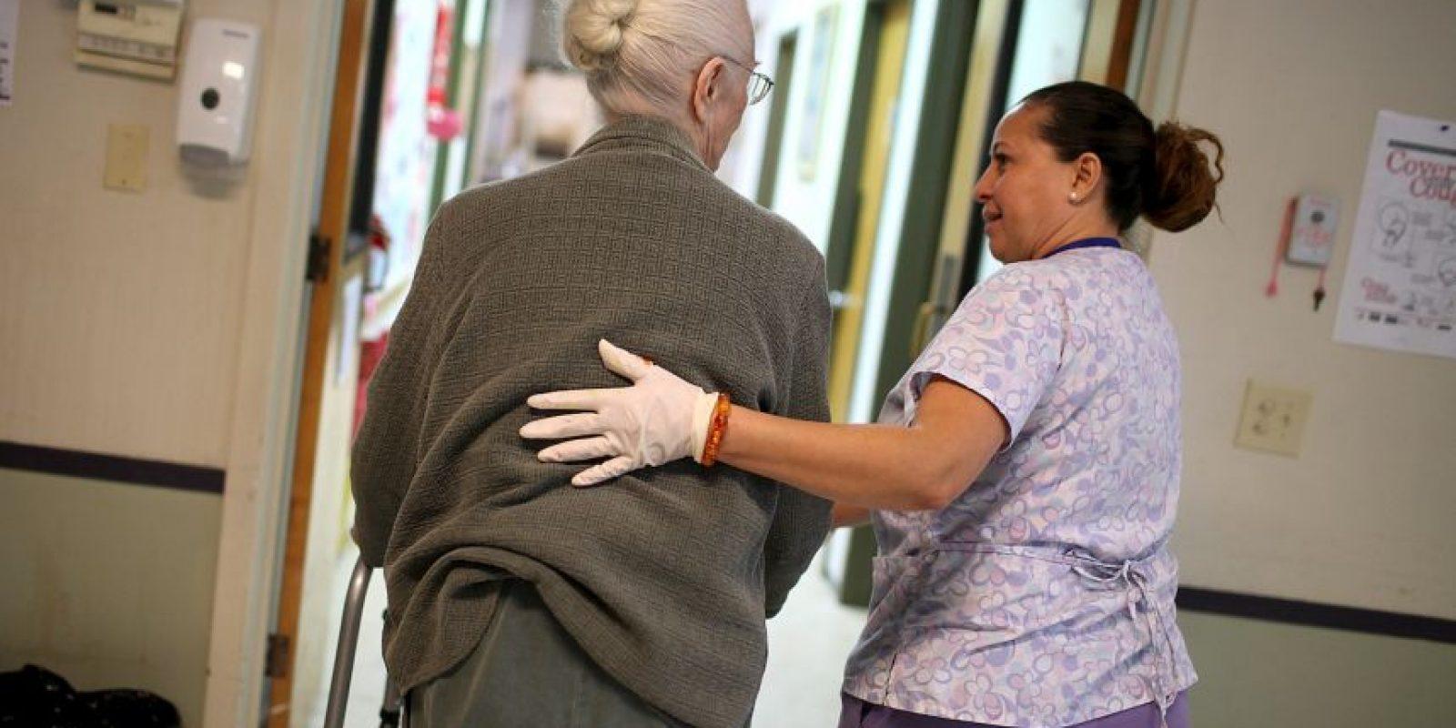 De nueve encuestas revisadas, los enfermeros aparecieron seis veces como uno de los trabajos mas felices del mundo Foto:Getty Images