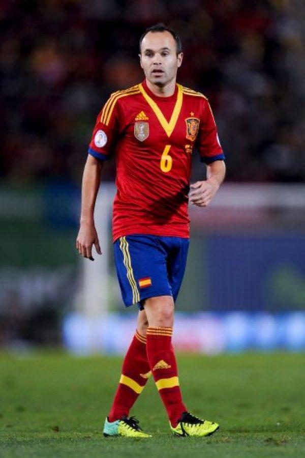Andrés Iniesta es un futbolista español que juega como mediocampista. Tiene 30 años y es uno de los líderes del Barcelona. Foto:Getty Images