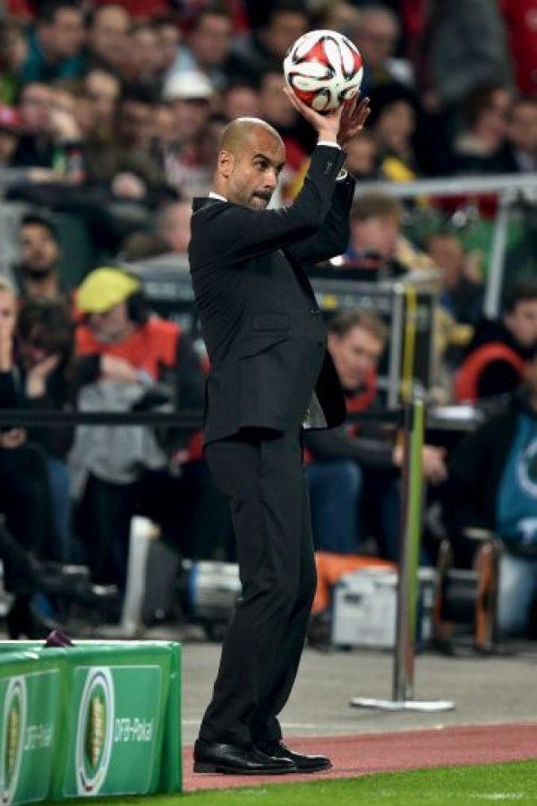 Pep sorprendió durante el partido entre el Bayern Munich y el Bayer Leverkusen en partido de la Copa de Alemania. Foto:Getty Images