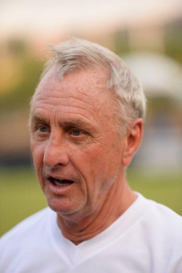 """""""Todo el mundo sabe jugar fútbol si le dejas cinco metros de espacio"""", Cruyff fue timonel del Ajax, Barcelona y la Selección de Cataluña Foto:Getty Images"""