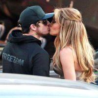 Hace una semana fueron captados besándose durante la grabación de un programa de televisión. Foto:Grosby Group