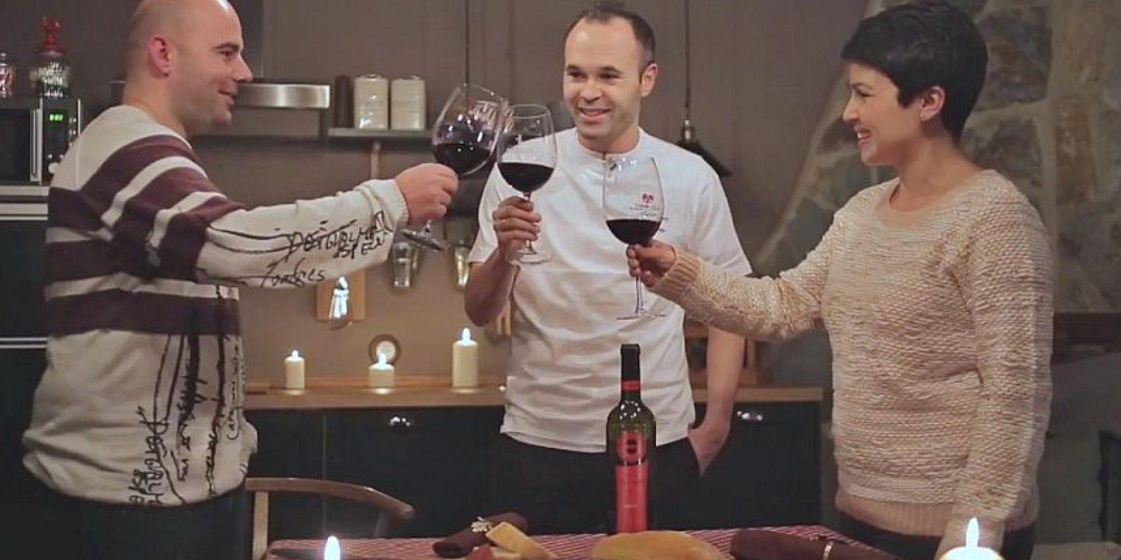 """Andrés Iniesta abrió las puertas de """"Bodega Iniesta"""", una casa rural ubicada en su natal Fuentealbilla. Foto:Vía YouTube Airbnb"""
