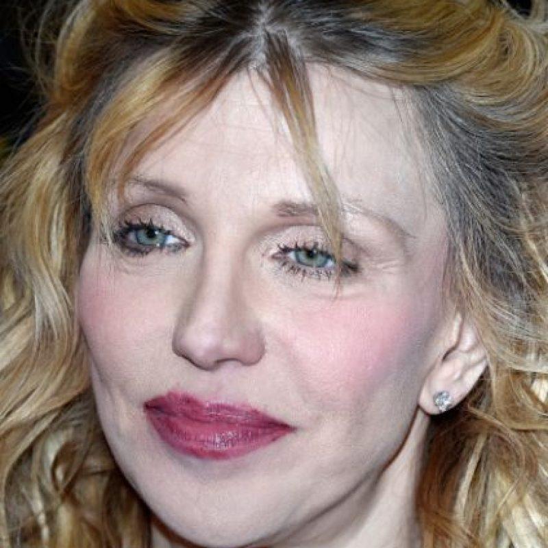 Desde ahí, ha sido más conocida por sus líos con su propia hija, Frances Bean Cobain. Foto:vía Getty Images