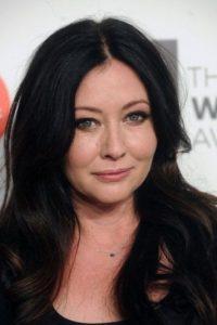 """Shannen Doherty es el más grande ejemplo de cómo se puede arruinar una carrera. Se hizo famosa en """"Beverly Hills 90210"""", pero sus peleas con sus compañeros causaron su despido. Lueog hizo lo mismo con Alysa Milano en """"Charmed"""". Foto:vía Getty Images"""