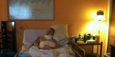 Fue por un accidente de motocicleta. Pero aún así, su esposa, Danielle Josey Davis, se negó a desconectarlo. Foto:vía GoFundMe
