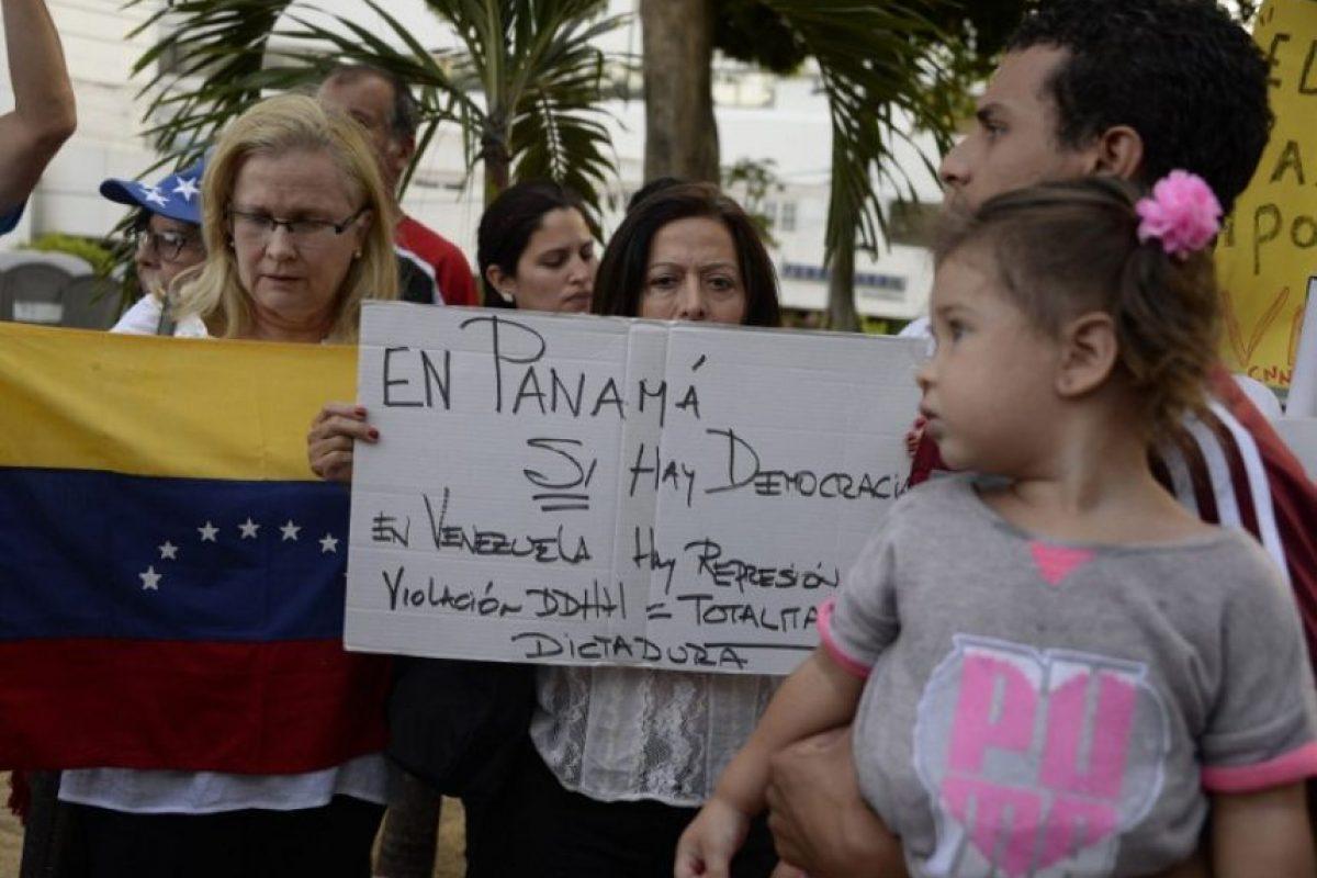 Manifestantes en contra del gobierno Venezolano Foto:AFP