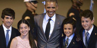 El presidente de Estados Unidos, Barack Obama, y los hijos de Juan Carlos Varela, presidente de Panamá Foto:AFP