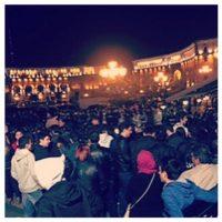 Una multitud de fans armenios ya esperaban a Kim y su familia. Foto:Vía Instagram.com/kimkardashian