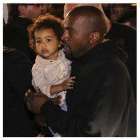 Kanye y su hija disfrutan la bienvenida de los fans armenios. Foto:Vía Instagram.com/kimkardashian