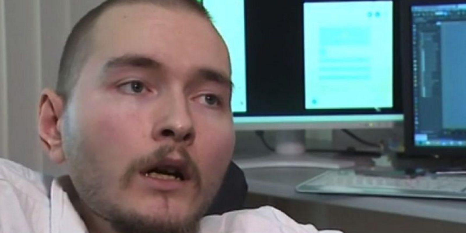 Menciona que su familia no estña de acuerdo, pero lo apoya Foto:YouTube