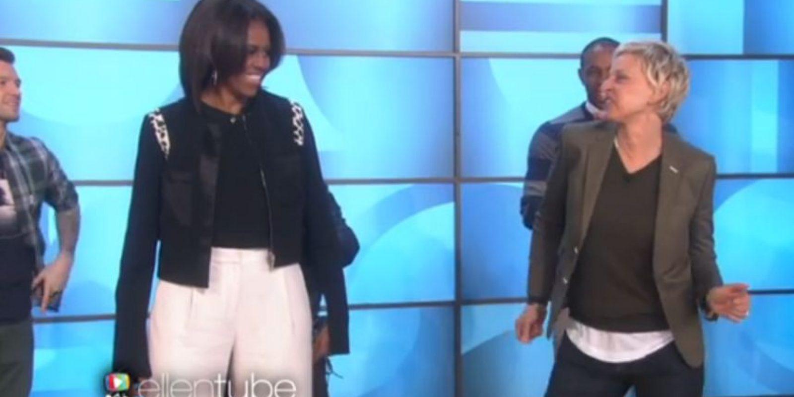 """1. """"Uptown Funk"""" con Ellen DeGeneres- Para celebrar los cinco años de su programa nutricional """"Let´s move"""", Michelle Obama bailó el tema de Bruno Mars en el show de Ellen DeGeneres. Foto:Captura de pantalla"""