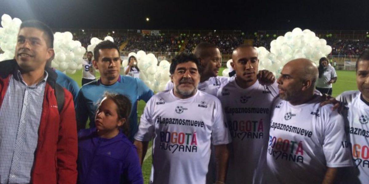 Maradona y sus amigos jugaron por la paz en Techo