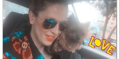 """""""Con mi compañera en modo loro"""", escribió en Instagram la actriz. Foto:Instagram Alejandra Azcárate"""