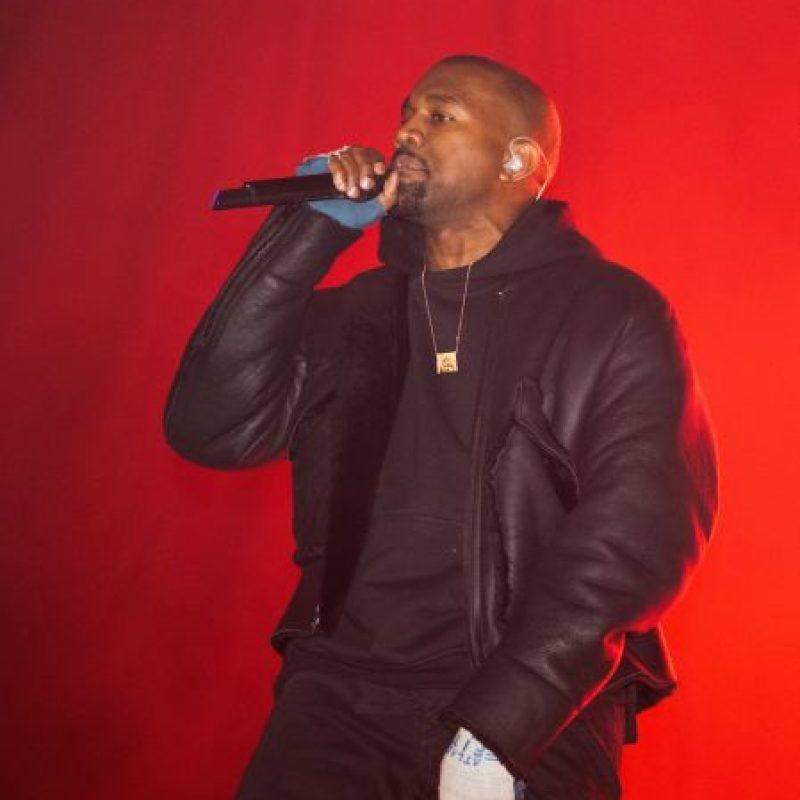 Los fans de West se lanzaron al lago luego de que el rapero lo hiciera. Foto:Getty Images