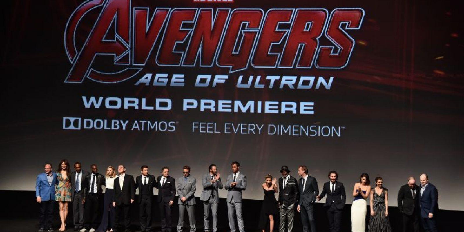 """El elenco de la película saluda al público en el estreno de """"The Avengers 2"""" en el teatro Dolby de Los Ángeles Foto:Cortesía"""