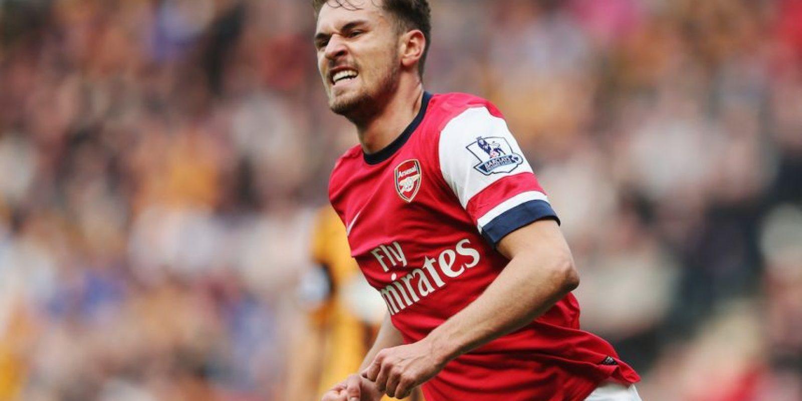 El futbolista inglés Aaron Ramsey es famoso debido a que cuando anota un gol, mueren personajes famosos. Foto:Getty Images