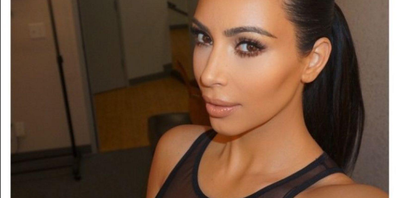 Kim aprovecha su cuenta en Instagram para compartir sus selfies Foto:Vía Instagram.com/kimkardashian
