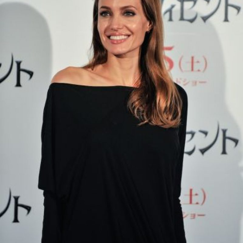 En 2013, la actriz se sometió a una doble mastectomía -extirpación de ambos senos- para evitar un posible diagnóstico de cáncer. Foto:Getty Images