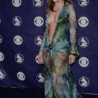 Hasta que llegó este vestido. Fue en 1999, en los Grammy. Foto:vía Getty Images