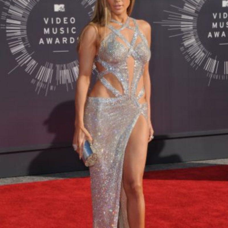 Y el año pasado mostró por qué ella y solo ella puede lucir un vestido de brillantes y pegado sin que desentone. Foto:vía Getty Images