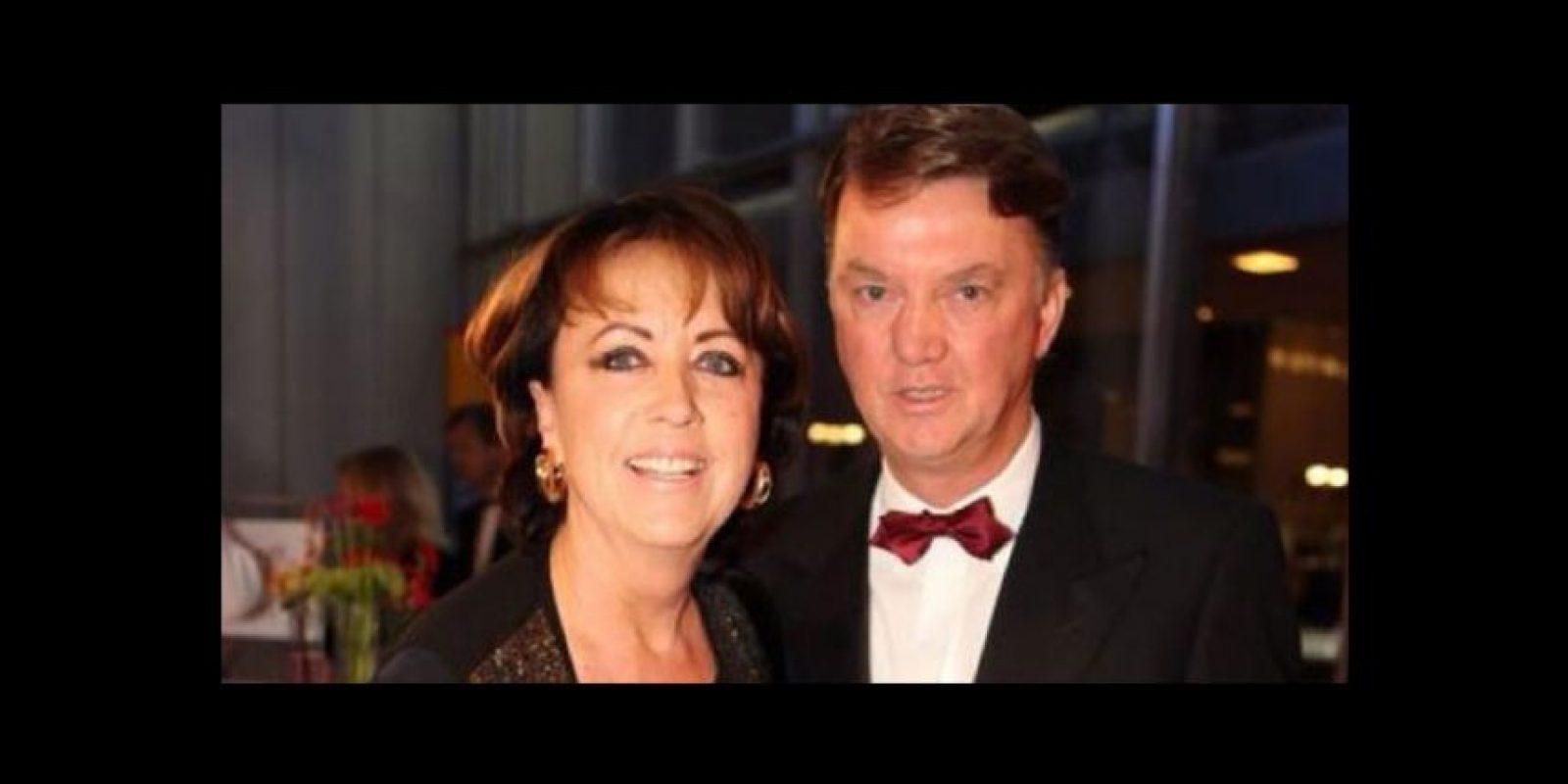 Truus, la esposa del DT de Manchester United, Louis Van Gaal. Foto:Vía twitter.com/truusvangaal