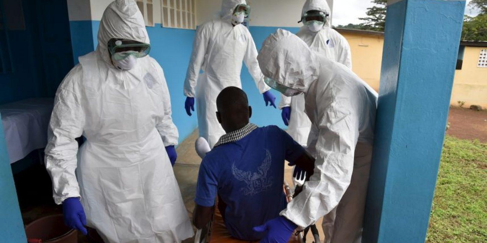 3. Tras el examen el hombre no presentó síntomas de fiebre hemorrágica. Foto:AFP