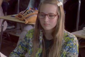 Leelee Sobieski era Aldis, la determinada y dulce nerd que ofrece amistad a Josie. Foto:vía Flower Films