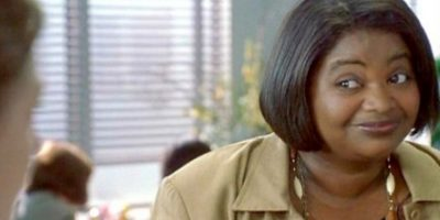 Octavia Spencer era Cynthia, otra de las compañeras de la redacción de Josie. Foto:vía Flower Films