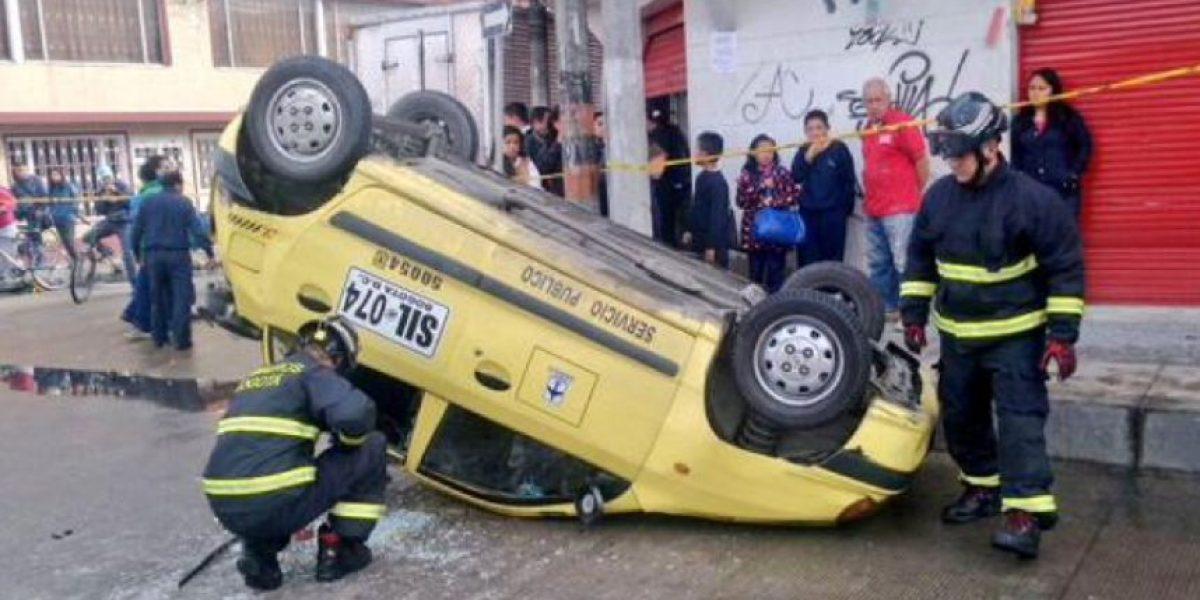 FOTOS: Fuerte accidente entre taxi y camión en Bogotá