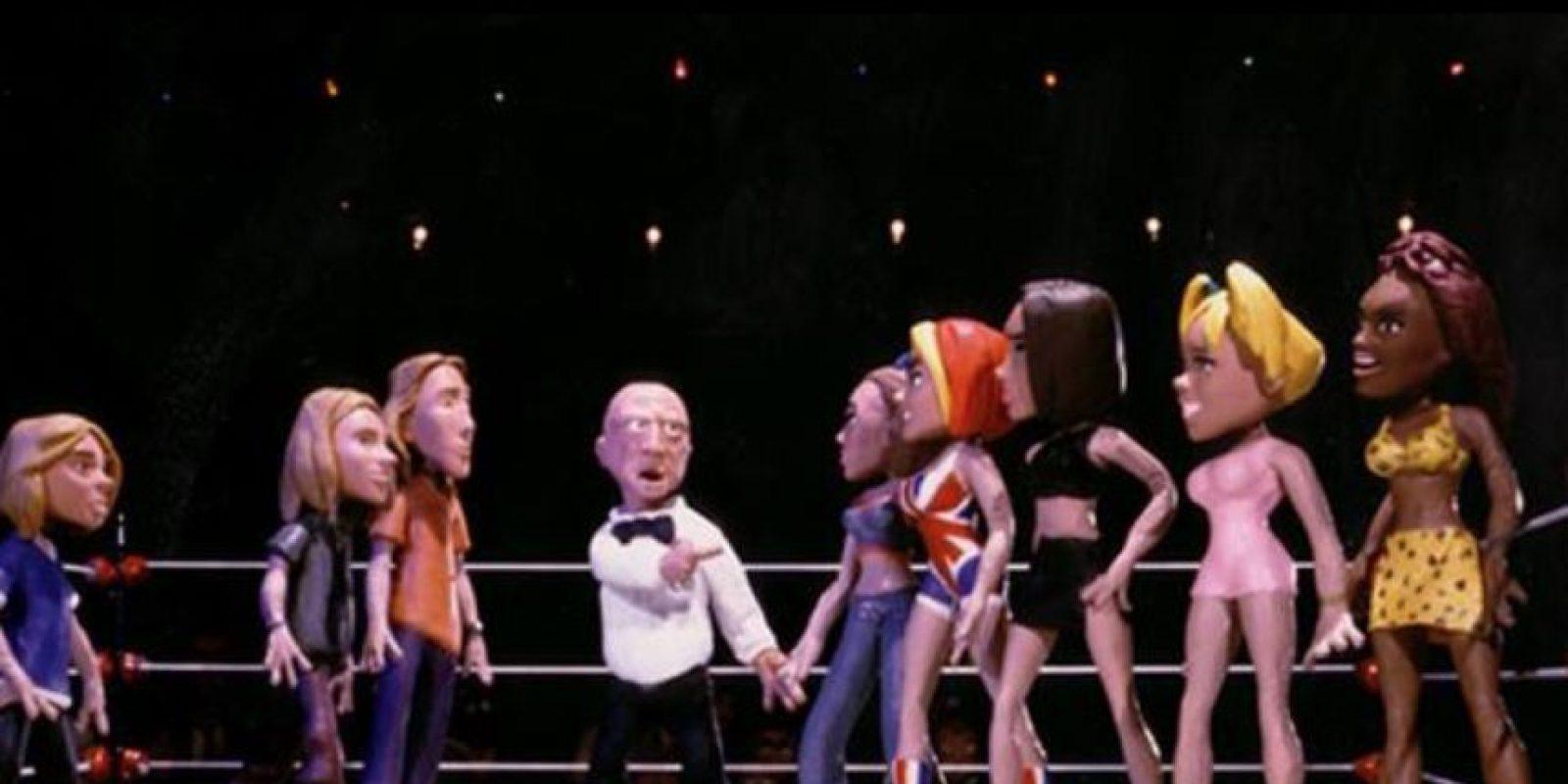 """Una de las peleas más recordadas sucedió en 1998, en el """"DeathBowl"""". Las """"Spice Girls"""" peleaban contra los """"Hanson"""" por ser la """"Banda más irritante del pop"""" Foto:vía MTV"""