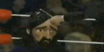Los Beatles también pelearon entre sí. Ringo ataca a George Harrison sin éxito. Foto:vía MTV