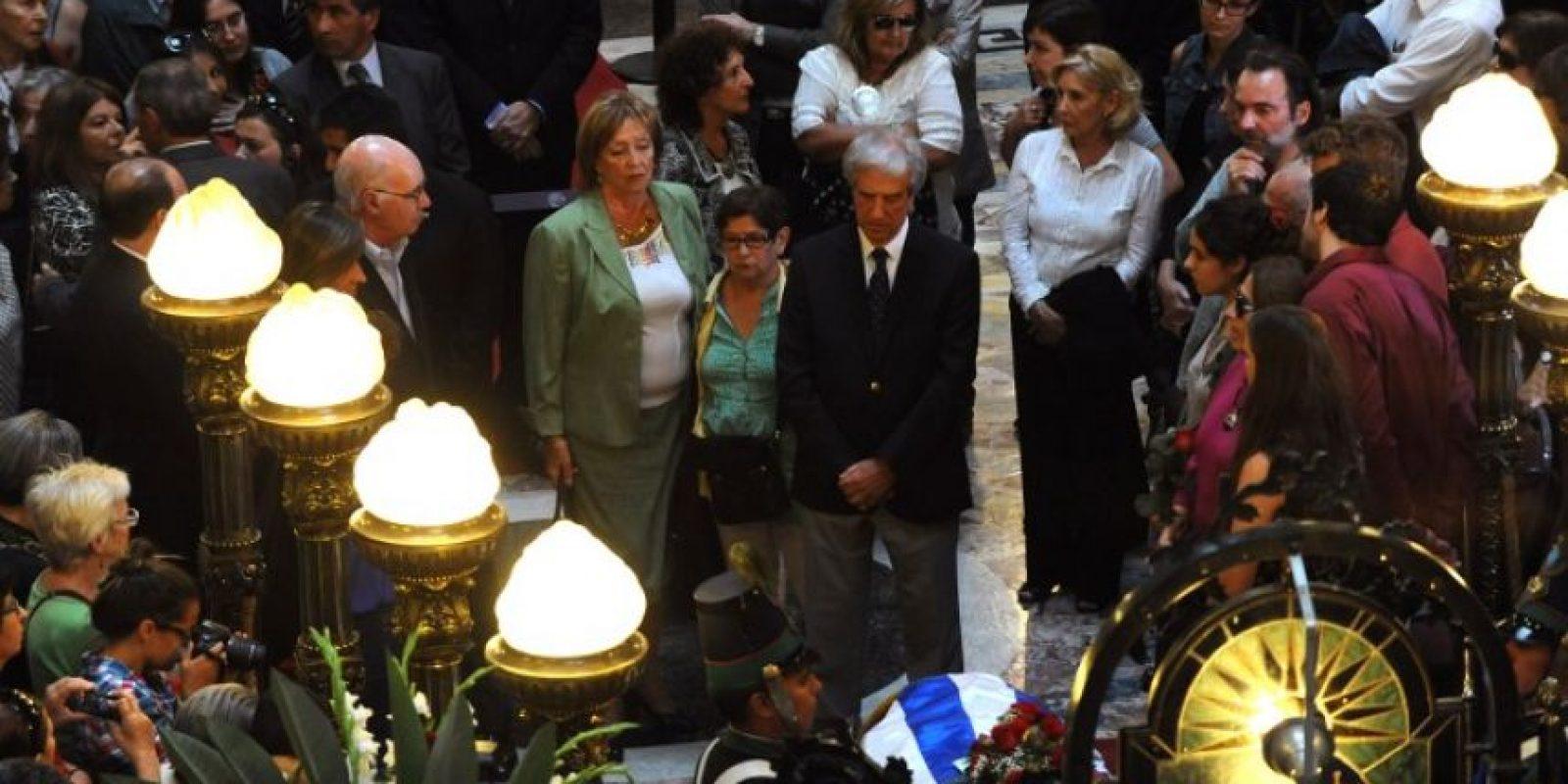 La despedida fue encabezada por el presidente Tabaré Vazquez Foto:AFP