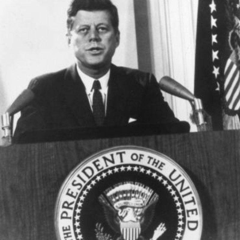 12 de septiembre: John F. Kennedy se compromete a poner un hombre en el espacio antes de que acabe la década. Foto:Getty Images