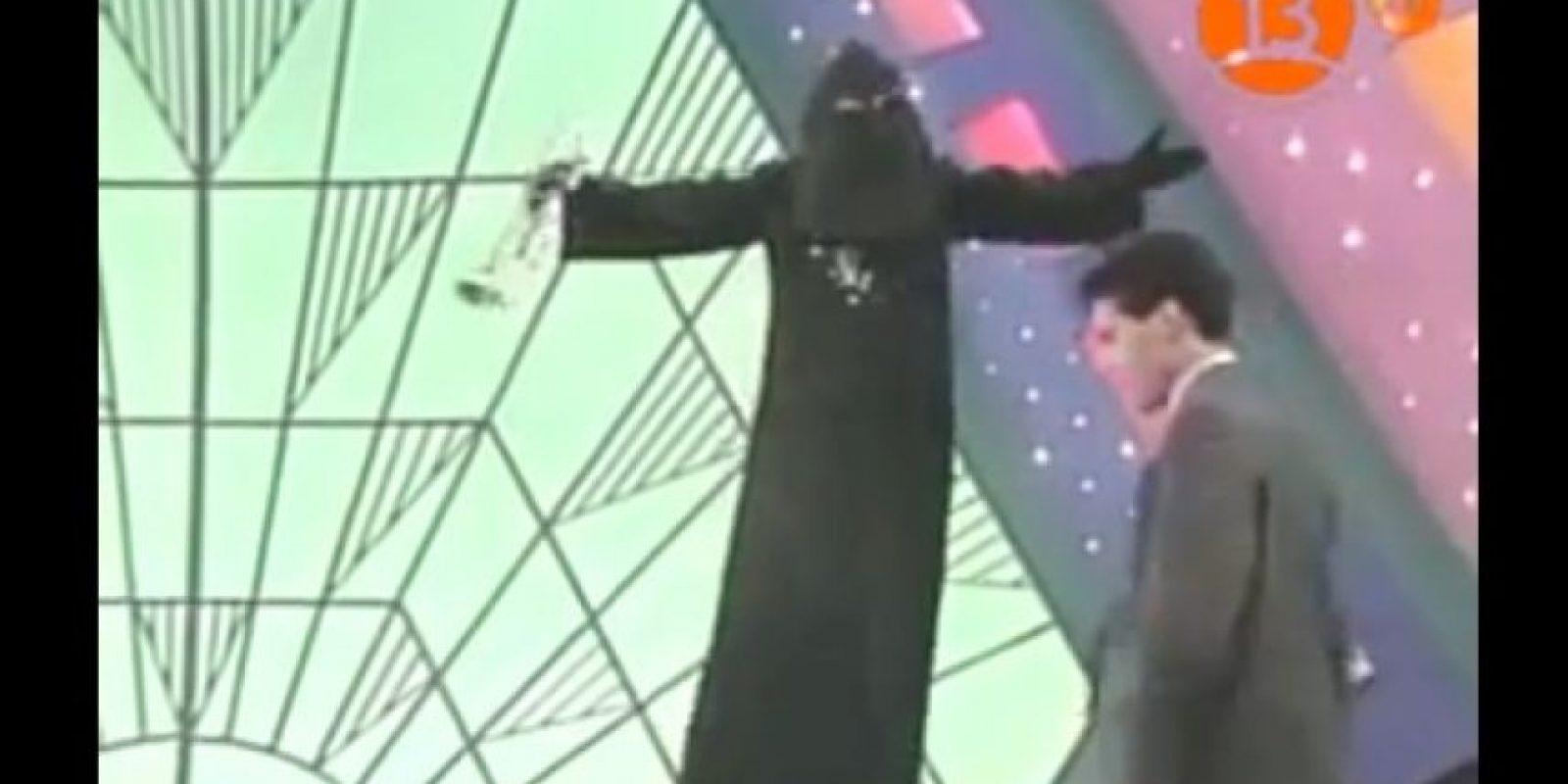 """En 2013, el músico chileno Lonardo Núñez Guerrero reveló que había sido despedido después de interpretar al """"Chacal"""" durante más de 20 años. Foto:YouTube"""