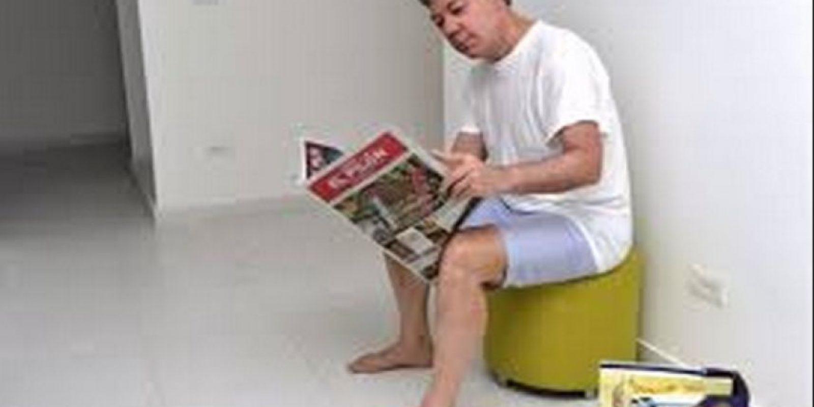 El presidente Juan Manuel Santos, en bermudas y descalzo… casual.