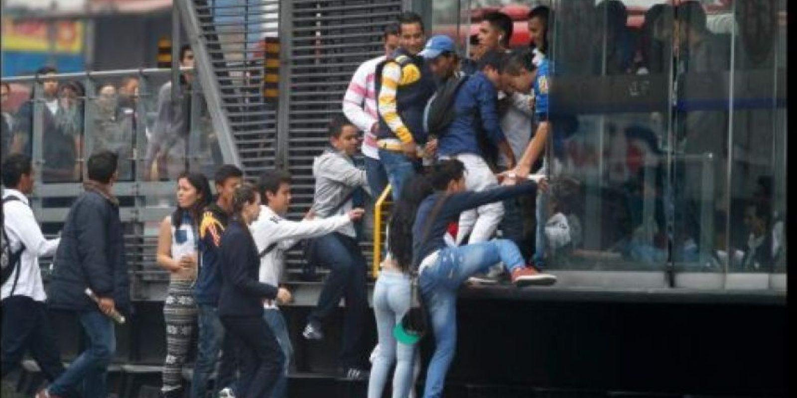 Los famosos colados de TransMilenio.