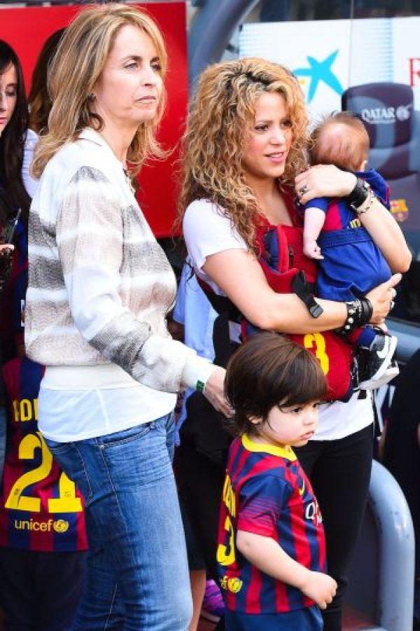 En el encuentro entre FC Barcelona y Valencia contó con la presencia de la familia Piqué. Foto:Getty Images