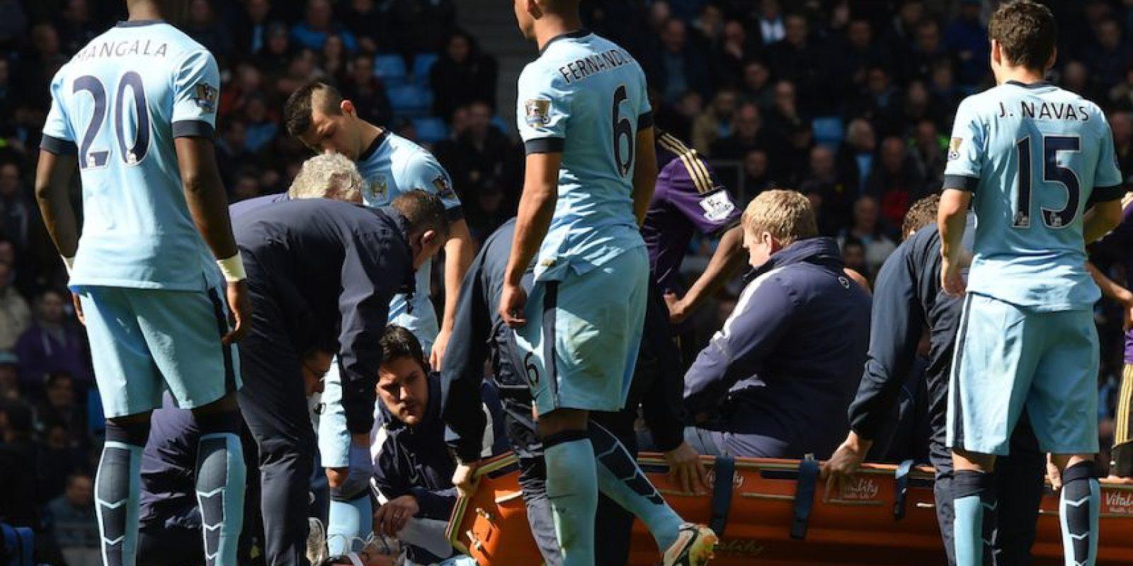 Silva fue atendido en el campo de juego. Foto:AFP