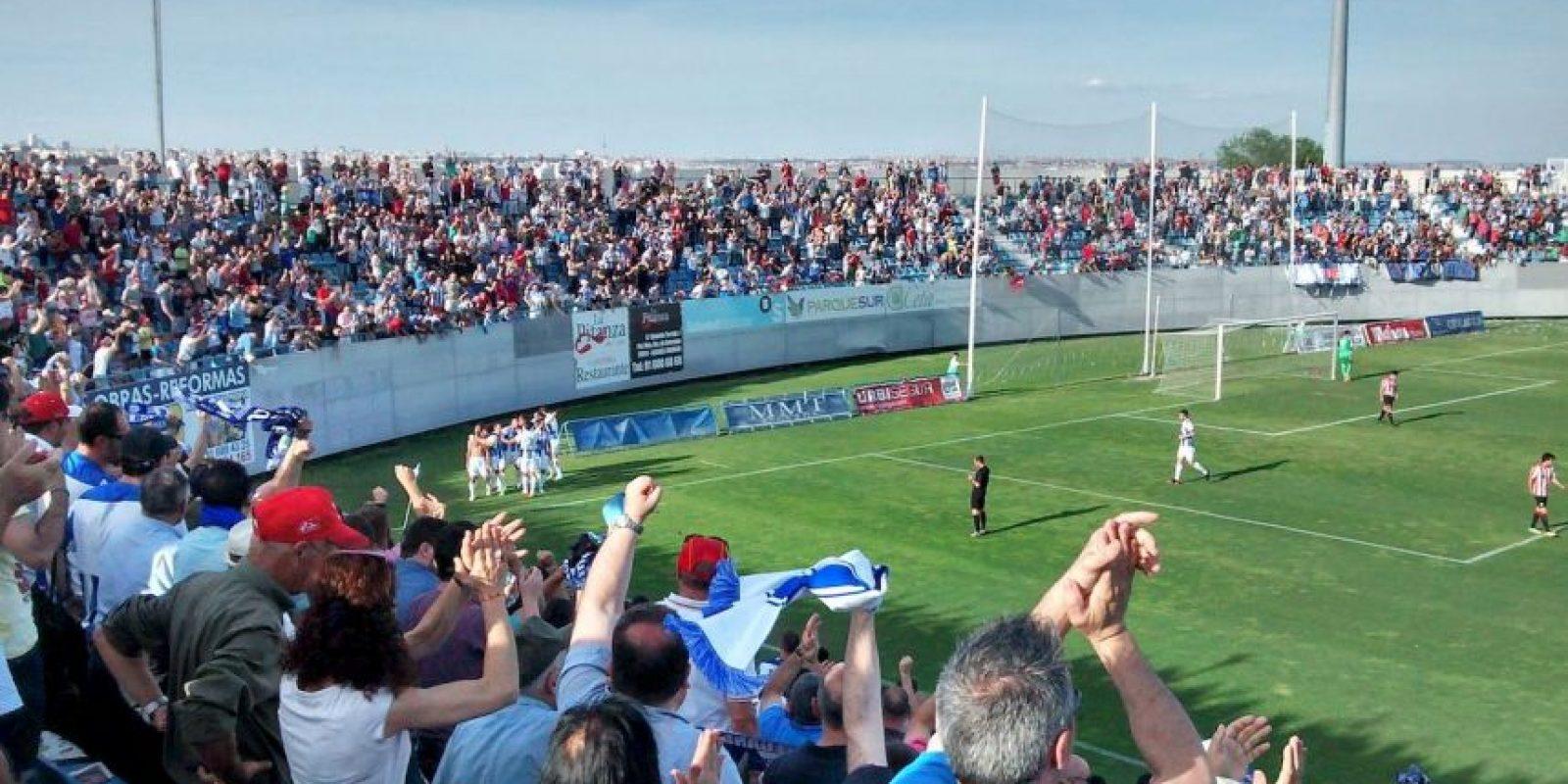 Juega como local en el Estadio Municipal de Butarque, que tiene capacidad para 8 mil 138 aficionados. Foto:Wikimedia