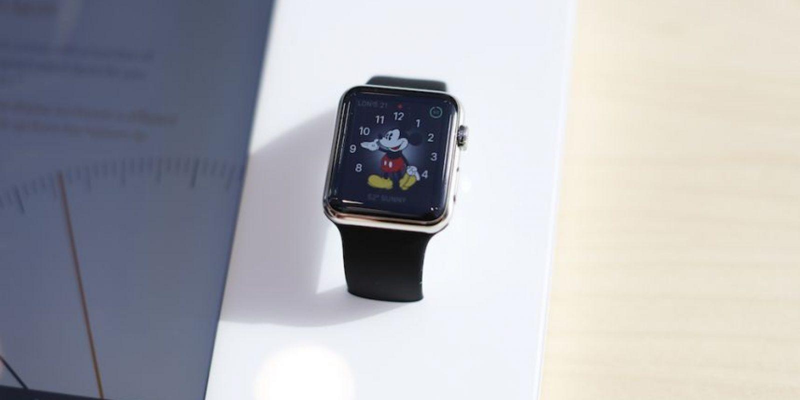 El reloj inteligente está disponible en tiendas para pruebas de los usuarios. Foto:Getty Images