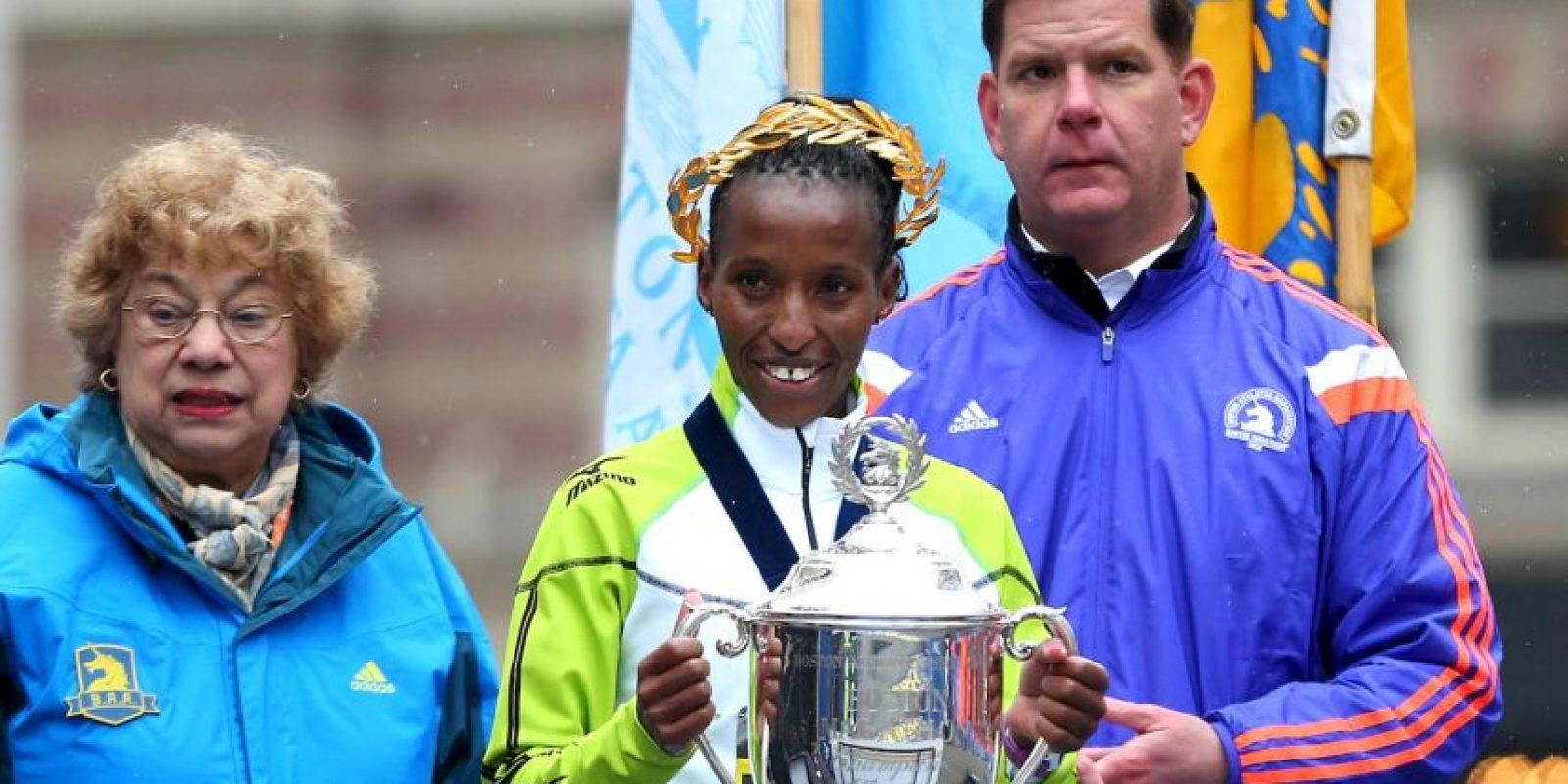 En la rama femenina se impuso la keniana Caroline Rotich Foto:Getty Images