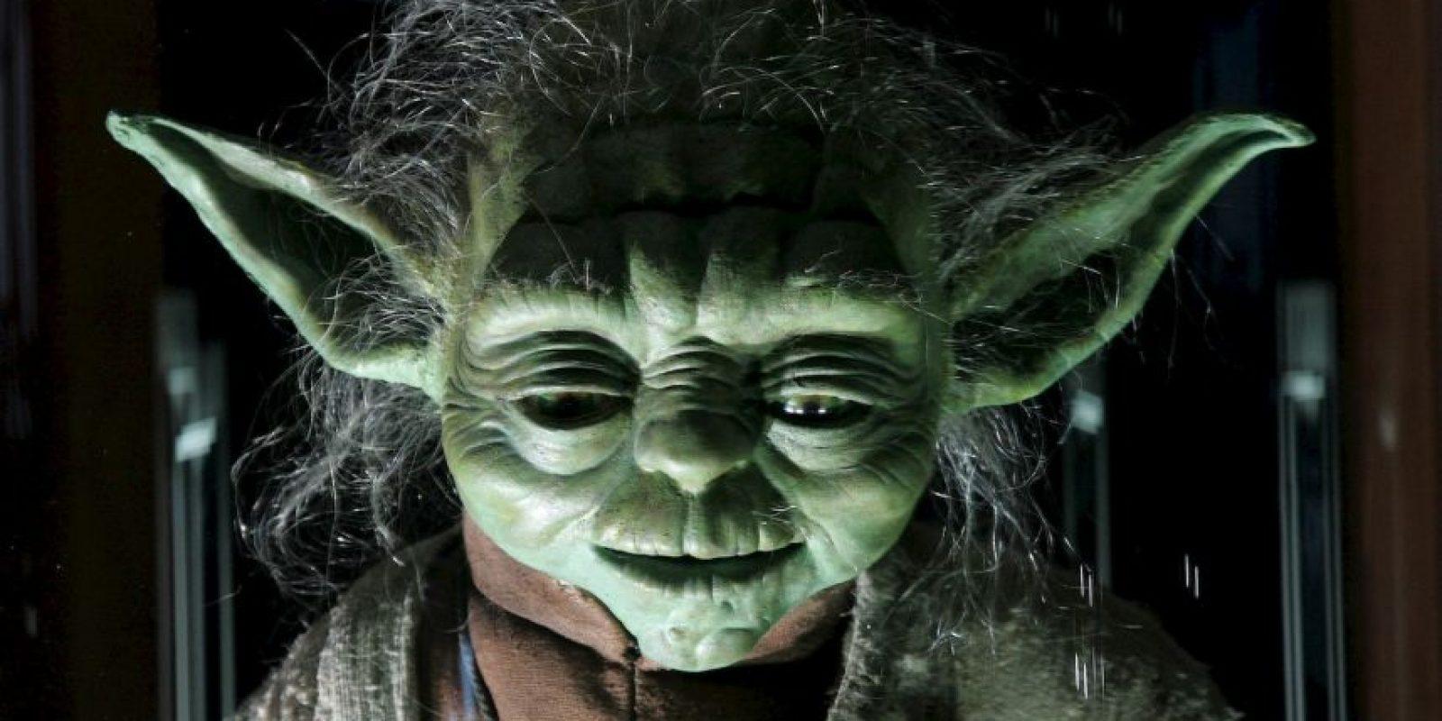 """Yoda fue creado por el artista inglés Stuart Freeborn. Creó personajes para cintas como """"El planeta de los simios"""" y """"2001 odisea del espacio"""". Freeborn se basó en los personajes más sabios que conocía: Albert Einstein y él mismo Foto:Getty Images"""