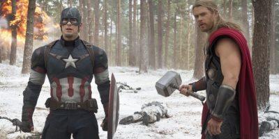 Capitán América (Chris Evans, izq.) y Thor (Chris Helmsworth) Foto:Cortesía